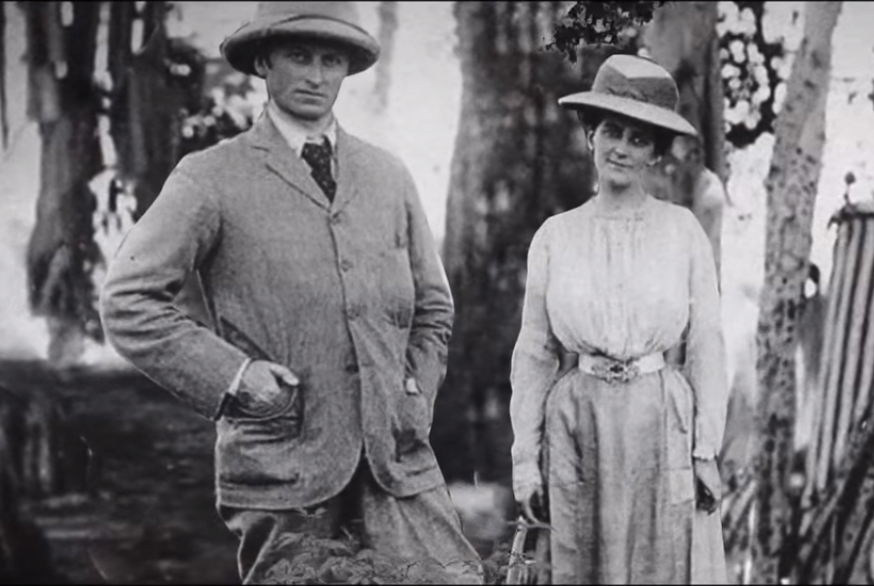 Lord Carzon with wife