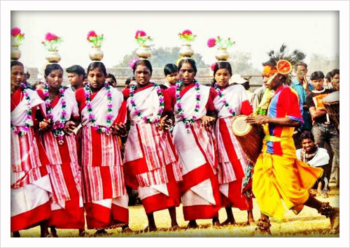 A troupe performing Jhumur Dance